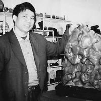企业家收藏网——专访奇石收藏家蒙驷