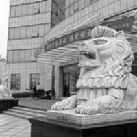 你知道,在大门前摆放石狮子到底有何寓意?