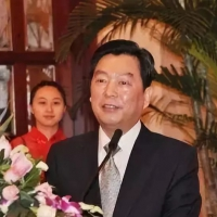 杨休:收藏界的白面书生
